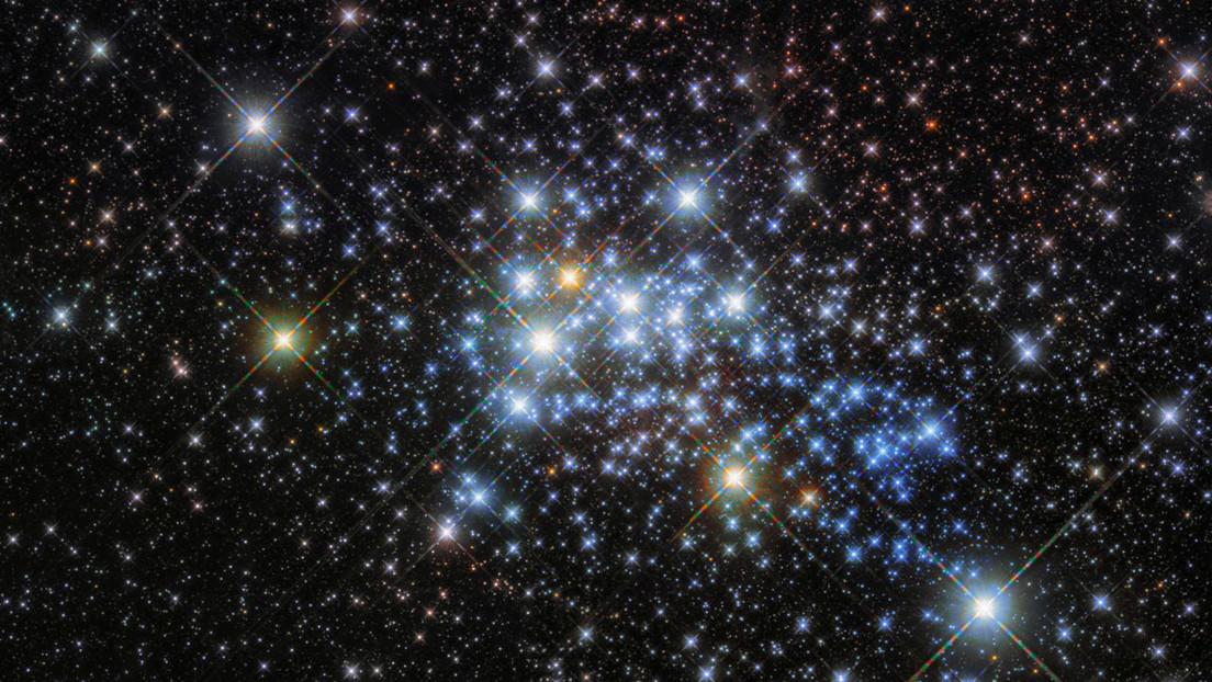 Descubren un planeta vagabundo del tamaño de la Tierra que flota por la Vía Láctea sin estrella madre