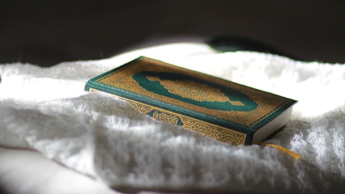 Matan a golpes y queman a un hombre por supuestamente profanar el Corán en una mezquita de Bangladés