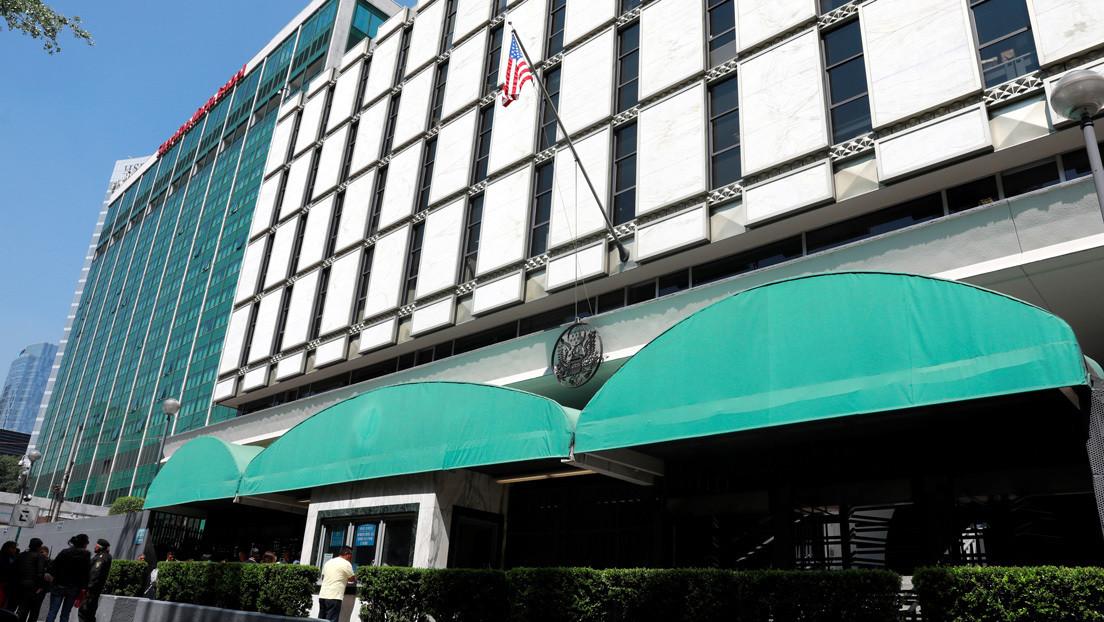 Acusan a un exfuncionario de la Embajada de EE.UU. en México de abusar sexualmente de 24 mujeres tras drogarlas