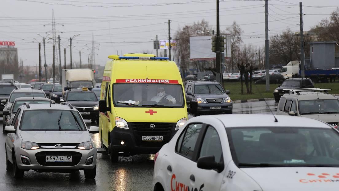 Un joven de 18 años abre fuego en una parada de autobús al oeste de Rusia y mata a su abuela y a otras tres personas - RT