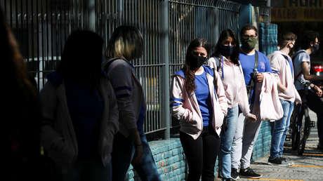 Argentina marca un nuevo récord de casos diarios de coronavirus con 17.096 positivos