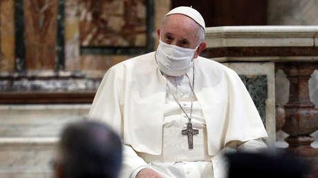 """Papa Francisco: """"Los homosexuales tienen derecho a estar en una familia porque son hijos de Dios"""""""