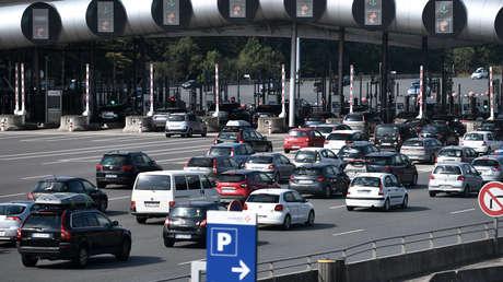 VIDEOS: París registra un atasco récord de 700 km por los ciudadanos que huyen de la ciudad antes de la entrada en vigor del confinamiento