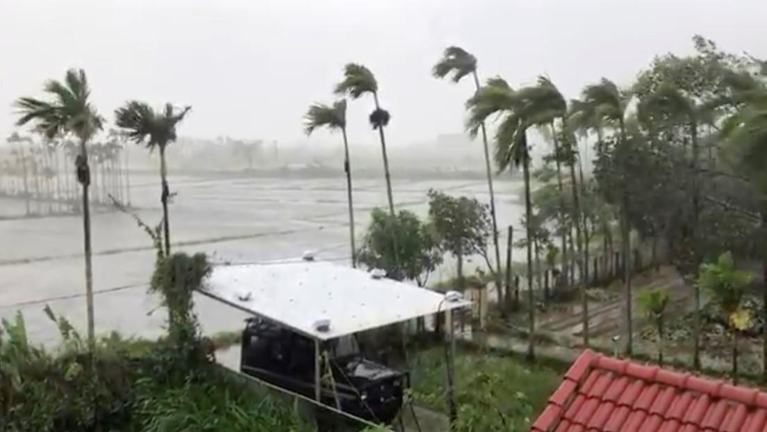 PRIMERAS IMÁGENES: El megatifón Goni azota el este de Filipinas