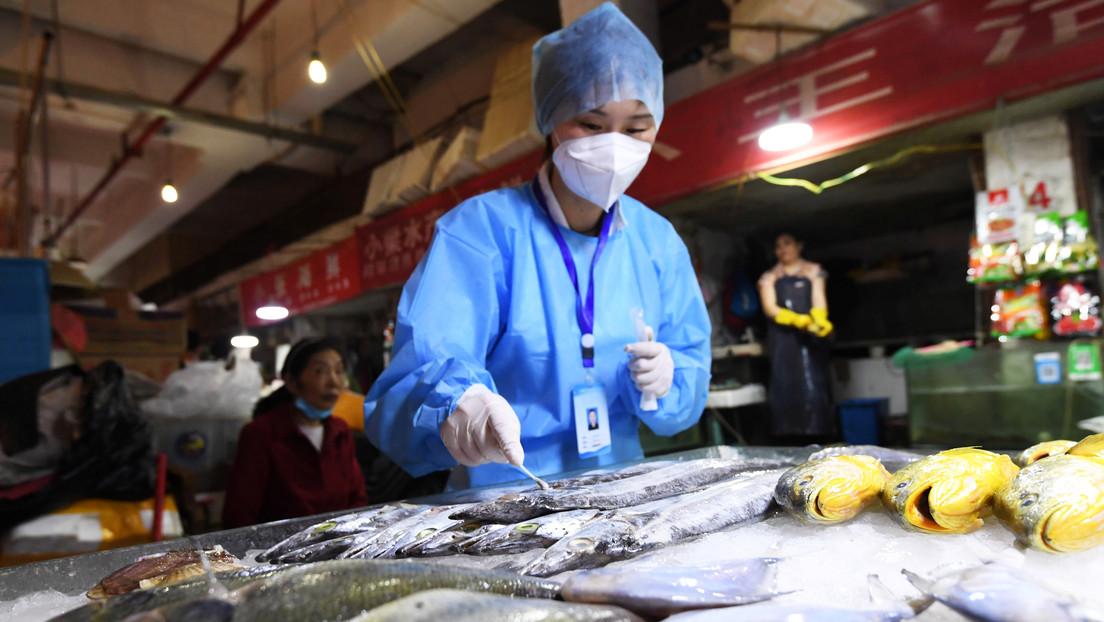 China encuentra rastros de coronavirus en alimentos importados de Ecuador y Brasil