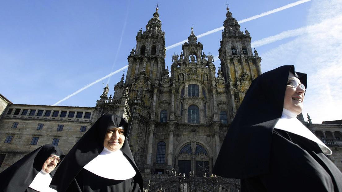 Hallan un 'selfi de piedra' de hace 900 años escondido en la Catedral de Santiago de Compostela (FOTO)