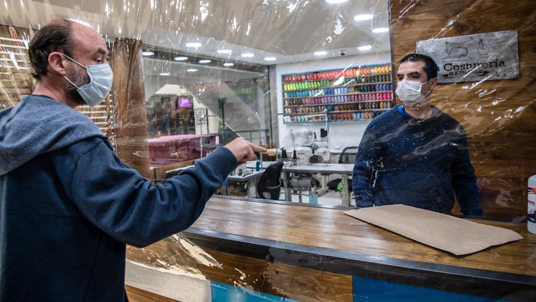 """La economía de Chile cae 5,3 % en septiembre y Piñera destaca que """"la recuperación ya está en marcha"""""""