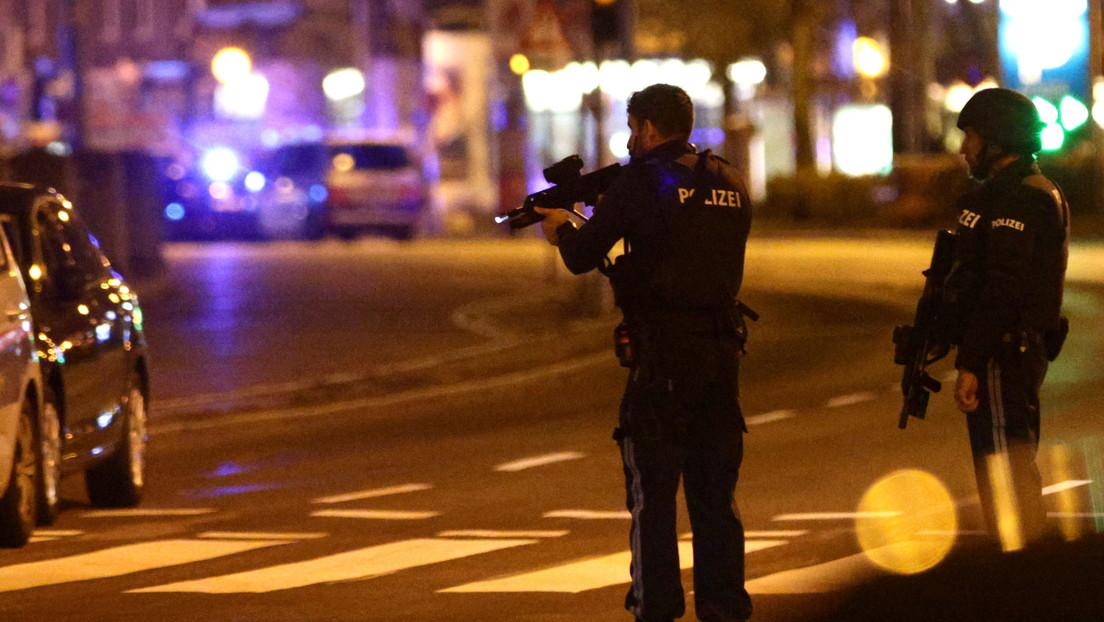 La Policía anuncia que los terroristas han atacado simultáneamente seis puntos en el centro de Viena