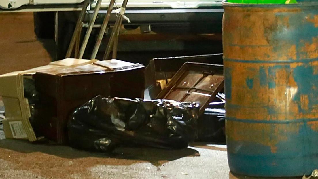 Detienen a un hombre que transportaba dos cadáveres descuartizados en una carretilla en Ciudad de México