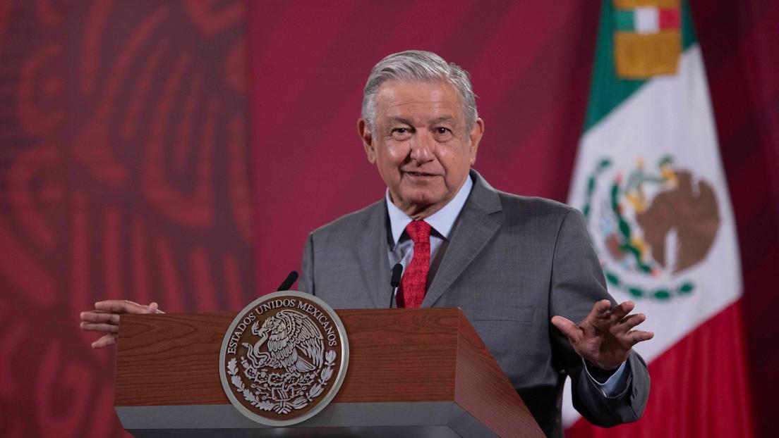 """López Obrador dice que podría usar cubrebocas """"aún sin saber a ciencia cierta si ayuda"""""""