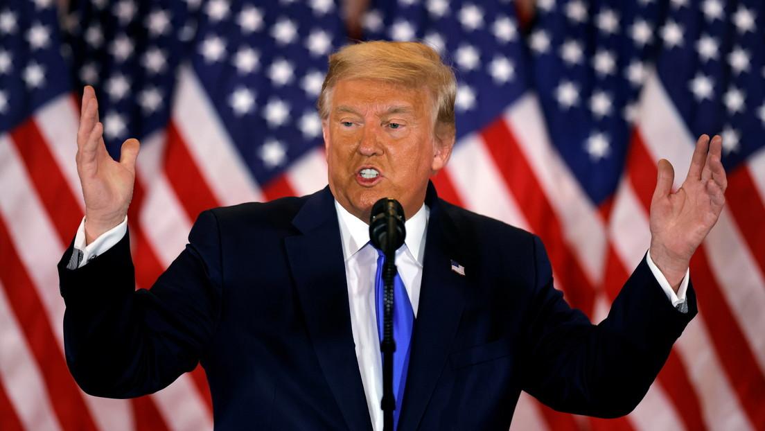 """VIDEO: Una presentadora interrumpe el discurso de Trump para decir que algunas de sus declaraciones """"francamente, no son verdaderas"""""""