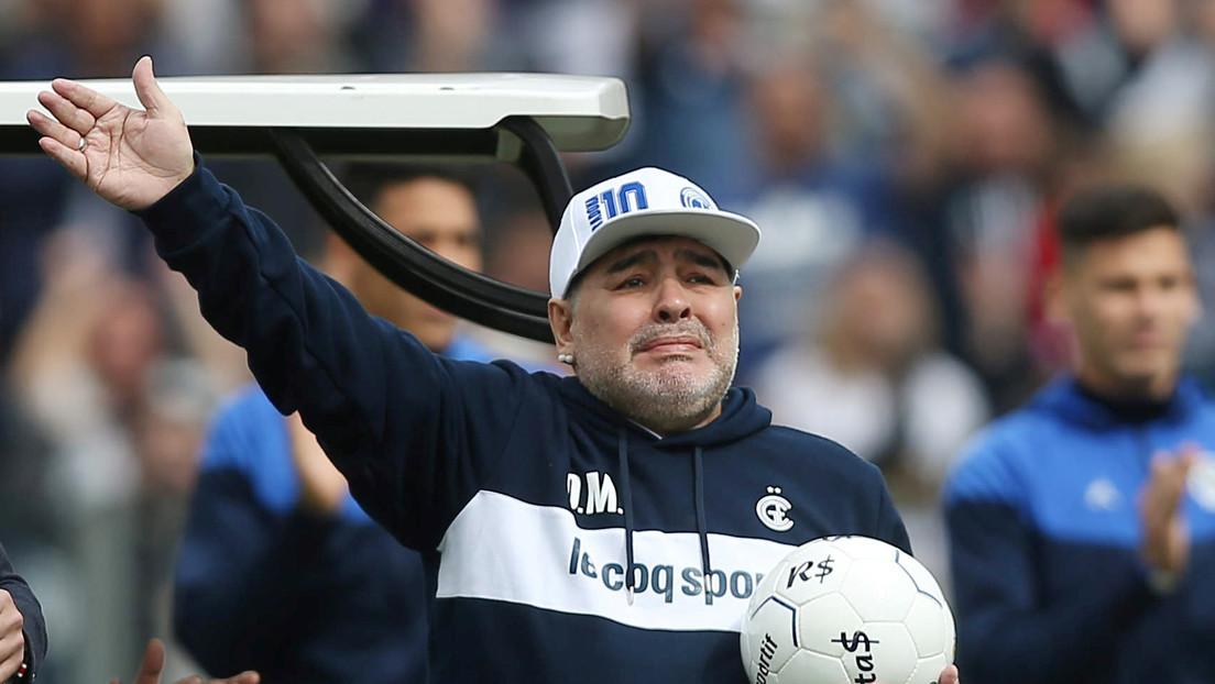 """El médico de Maradona afirma que su recuperación """"cursa de modo favorable"""" y """"sin complicaciones"""""""