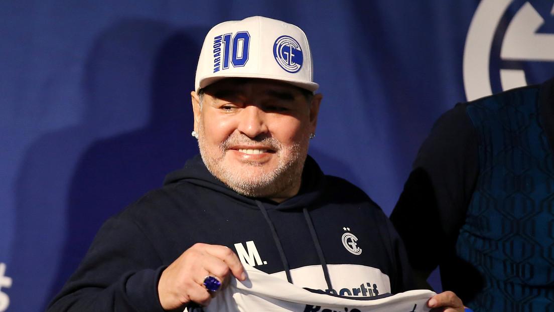 """Maradona tiene """"muchas ganas de irse"""" de la clínica donde fue operado con éxito, pero quedará internado un día más"""