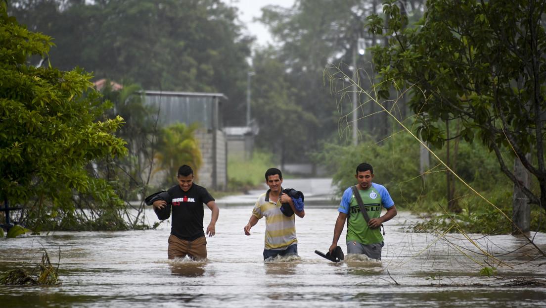 """Severas inundaciones y deslizamientos de tierra por Eta dejan unos """"150 muertos o desaparecidos"""" en Guatemala"""