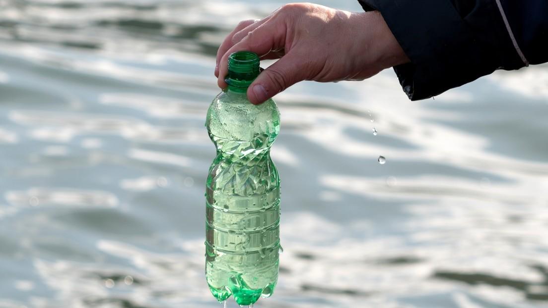 Encuentran una manera eficaz de desalinizar el agua de mar con luz solar