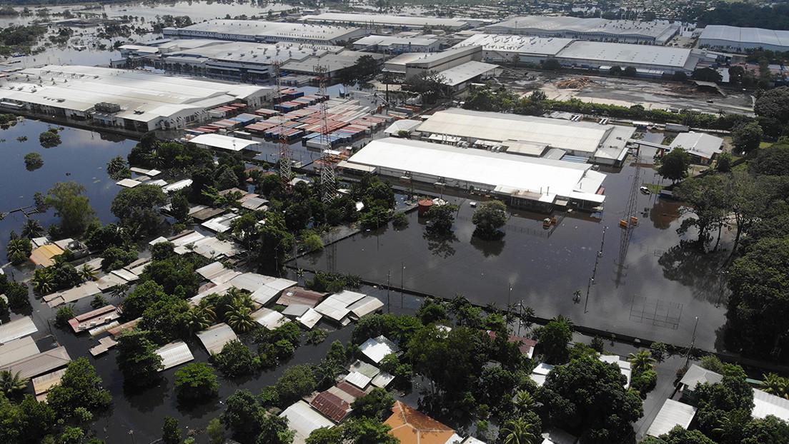 La tormenta tropical Eta alcanza la península de Florida, dejando a su paso un centenar de muertos en México y América Central