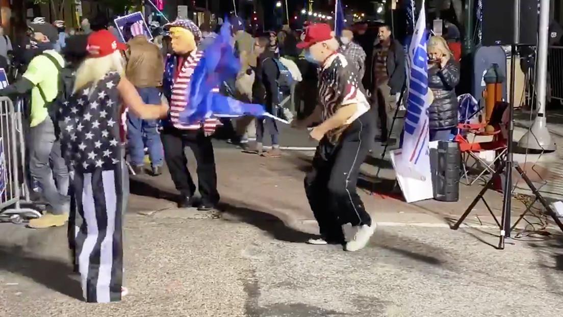 """""""Simplemente no lo entienden"""": Partidarios de Trump bailan al son de una canción de Rage Against the Machine y la banda les responde"""