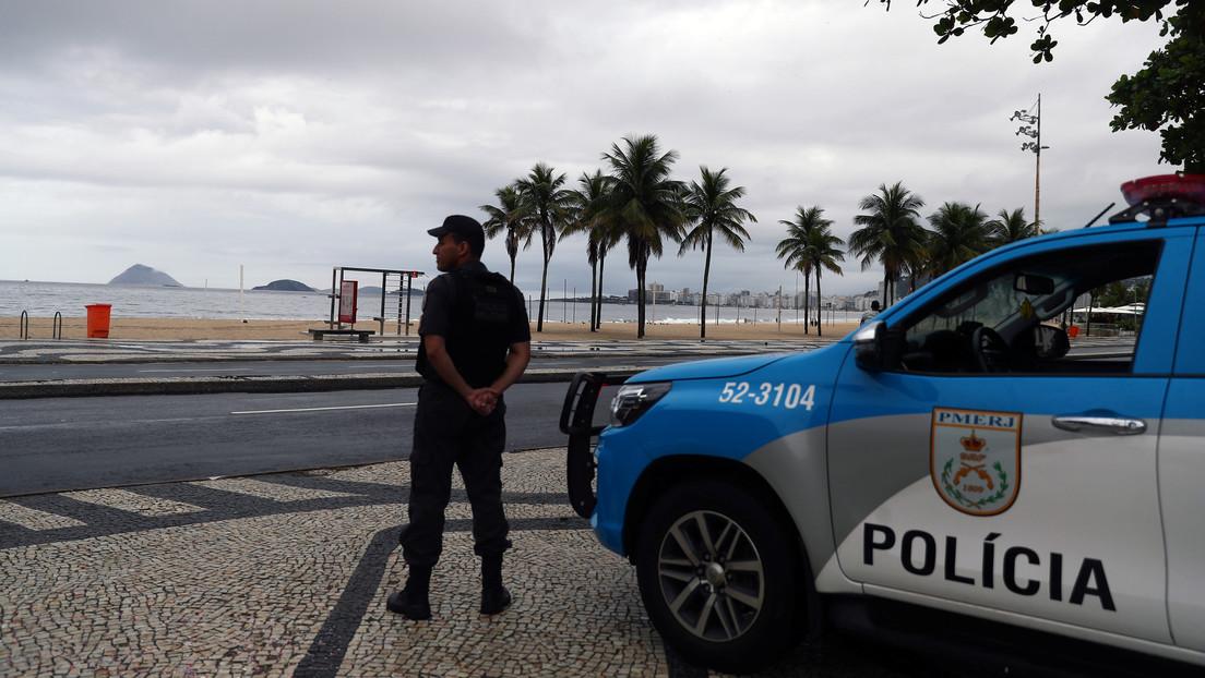 Un 'John Lennon' brasileño escapa de comisaria con ayuda de su hermano