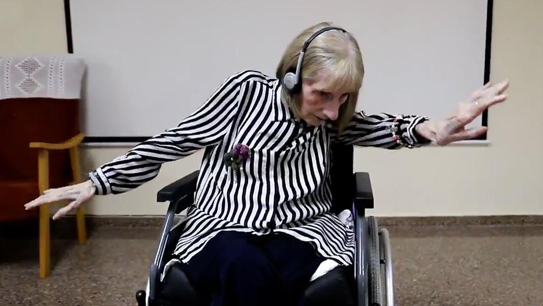 VIDEO: La emotiva reacción de una exbailarina con alzhéimer al escuchar 'El lago de los cisnes'