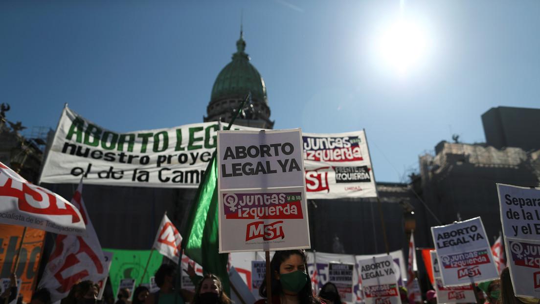 Gobierno de Alberto Fernández confirma que mandará al Congreso la iniciativa sobre el aborto en Argentina y reaviva el debate social