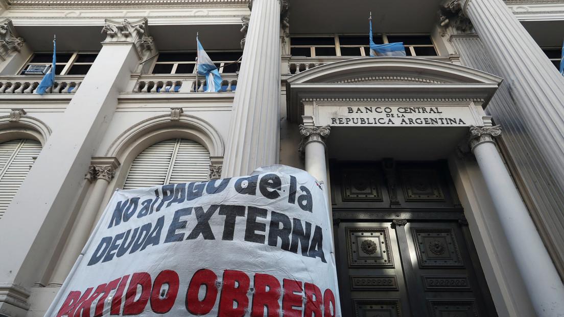 Argentina negocia un nuevo programa con el FMI para el pago de la deuda de 44.000 millones de dólares