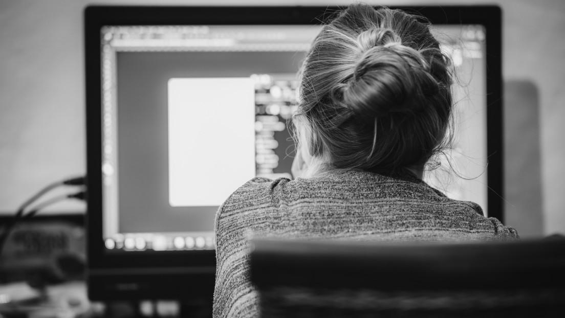 Un estudio de Deutsche Bank propone cobrar un impuesto del 5 % del salario a los empleados que teletrabajan