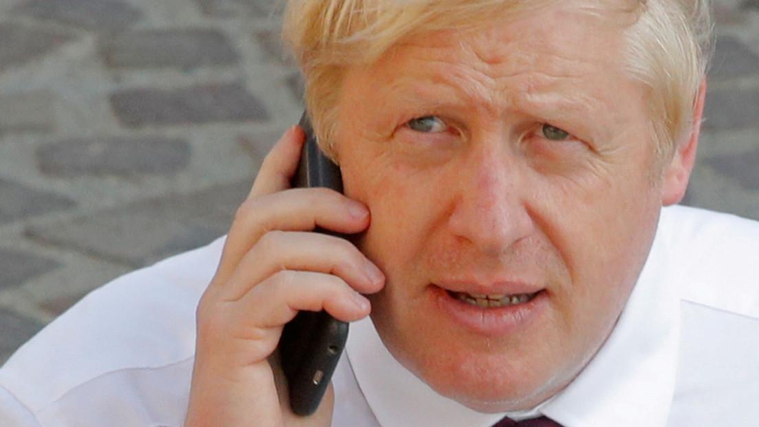 """""""Trump"""" y """"segundo mandato"""": Hallan un 'mensaje oculto' en el tuit de Boris Johnson felicitando a Joe Biden"""