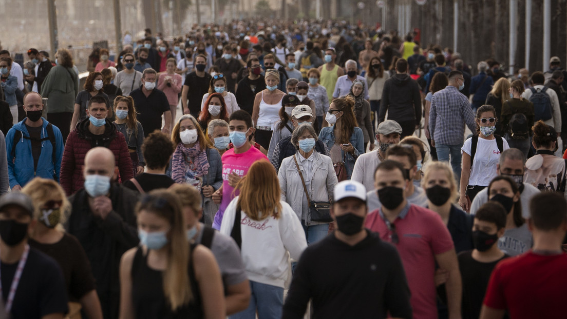 La OMS estima que habrá que vacunar al 70 % de la humanidad para acabar con la pandemia