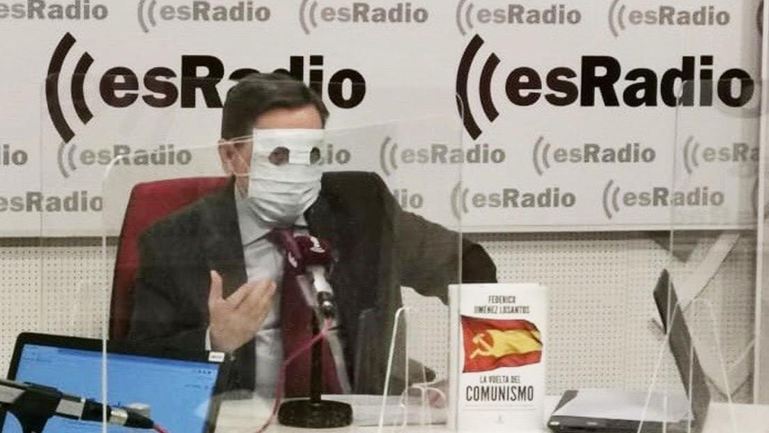 El video viral de un locutor español que se colocó dos mascarillas a modo de pasamontañas para emular a ETA