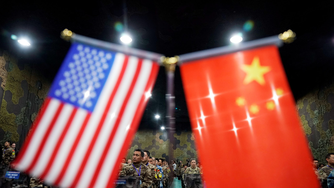 Trump prohíbe las inversiones estadounidenses en empresas con participación militar de China