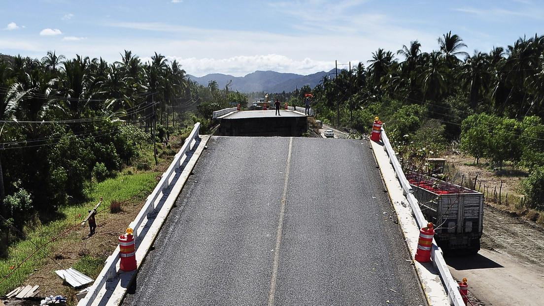 EE.UU.: Colapsa un puente en medio de una transmisión y la reportera se salva de milagro (VIDEO)