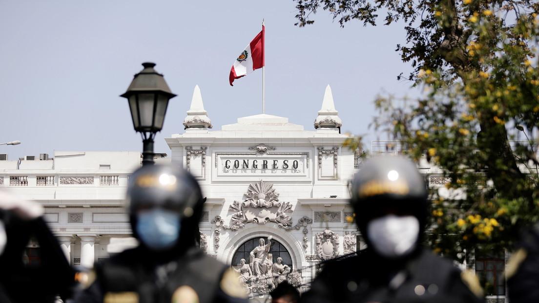 Congresistas rechazan la única lista de candidatos que proponía a una mujer como presidenta interina de Perú