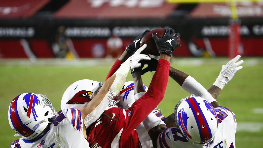 VIDEOS: Un jugador de la NFL le da la victoria a su equipo en el último segundo atrapando un 'Ave María'