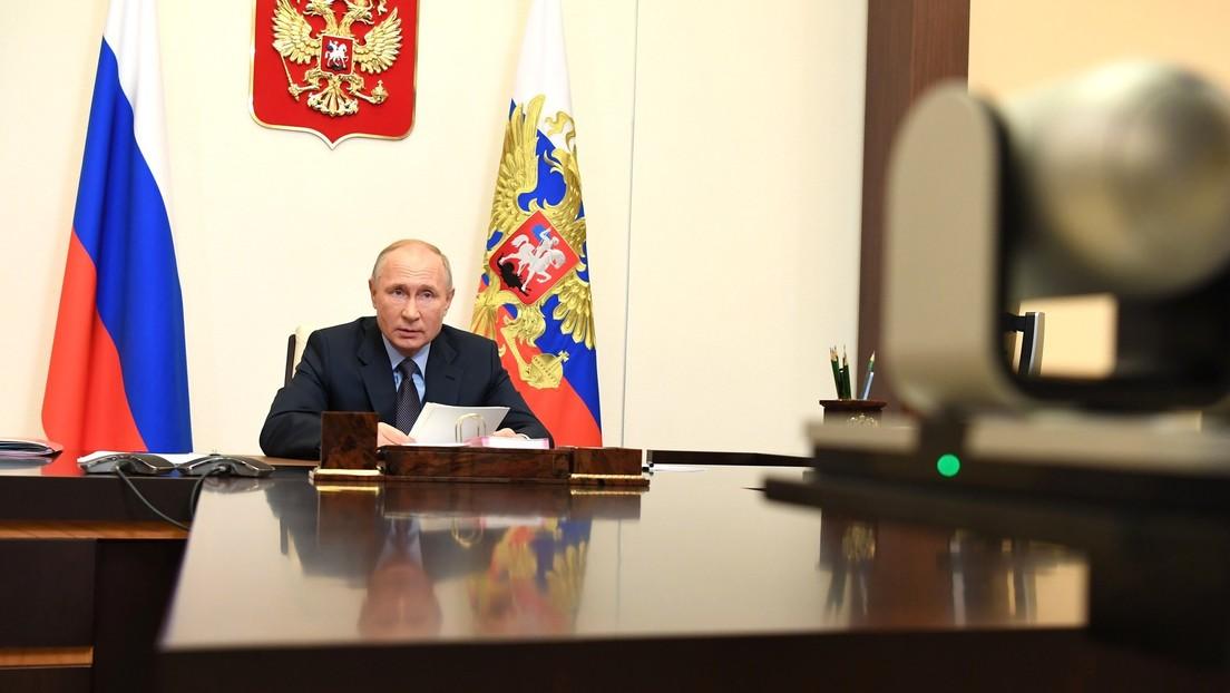 """Putin en la cumbre BRICS: """"Es crucial unir los esfuerzos para la producción masiva de vacunas contra el coronavirus"""""""