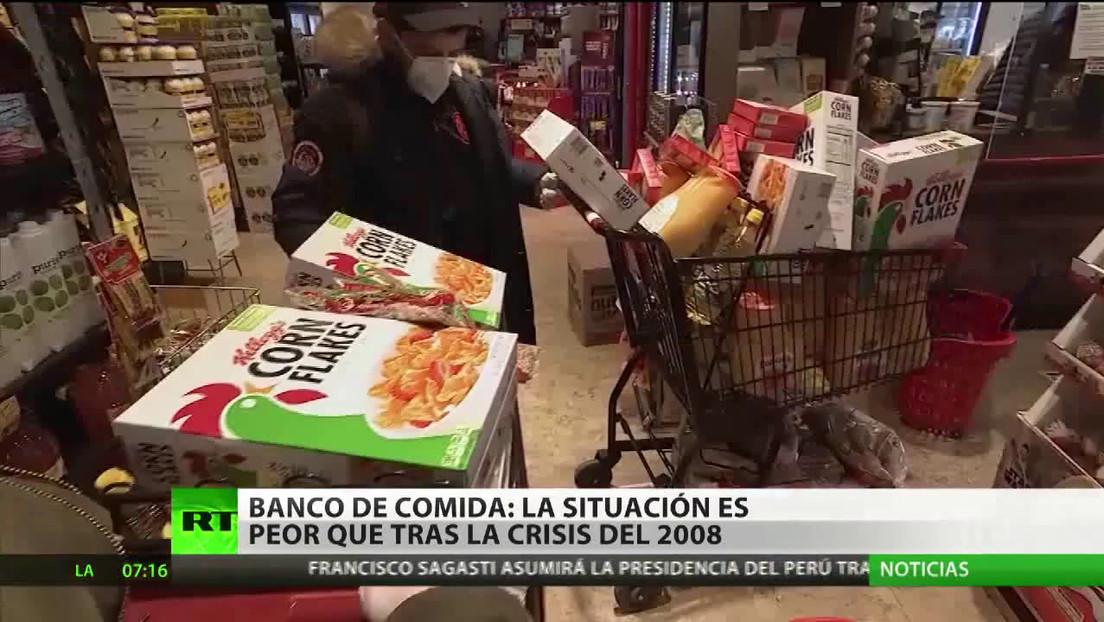 Miles de estadounidenses hacen cola para recibir comida gratis