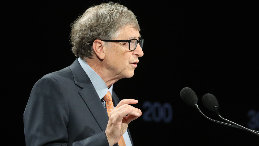 Gates predice que más del 50 % de los viajes de negocios y más de un tercio de las horas de oficina desaparecerán en el mundo posterior al covid-19