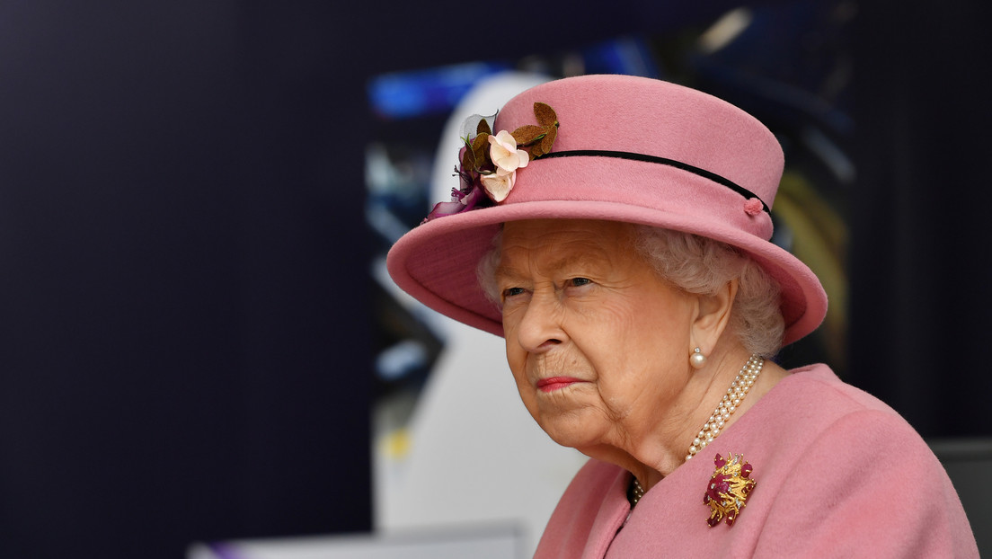 A French radio mistakenly announces the death of Queen Elizabeth II and a hundred other celebrities still alive