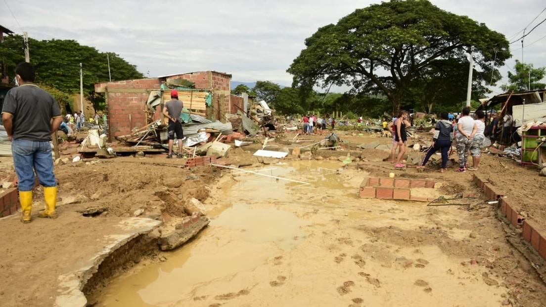 Seis muertos y ocho desaparecidos dejan las lluvias que provocaron el desbordamiento de una quebrada en el norte de Colombia