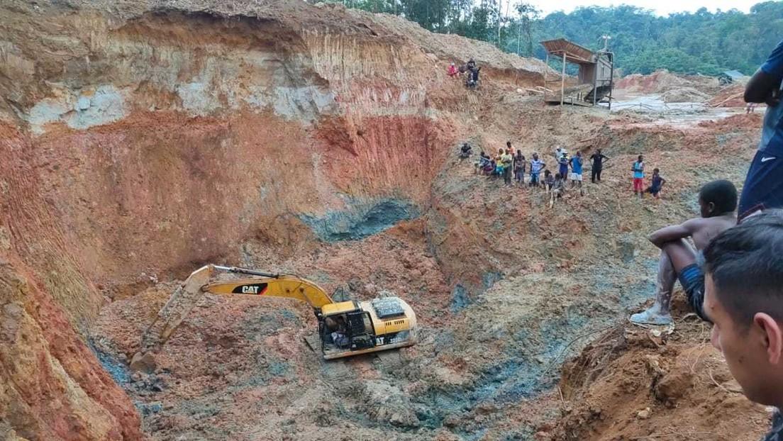 Cinco personas mueren tras el colapso de una mina ilegal en Ecuador