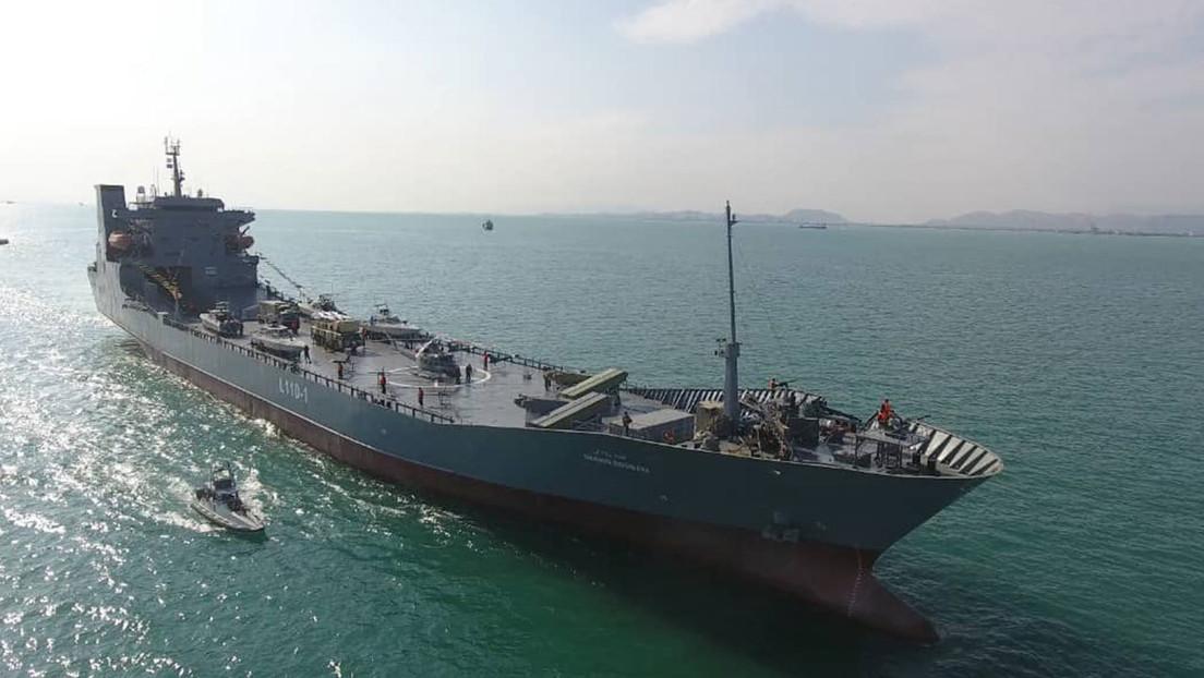 FOTOS: La Guardia Revolucionaria iraní bota un buque de guerra, capaz de portar aeronaves, lanzamisiles y drones, en medio de tensiones con EE.UU.