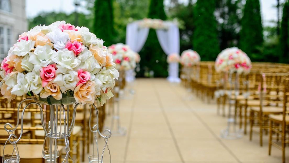 Adolescentes fingen una boda para saltarse las restricciones por el coronavirus y organizar una fiesta para más de 100 personas