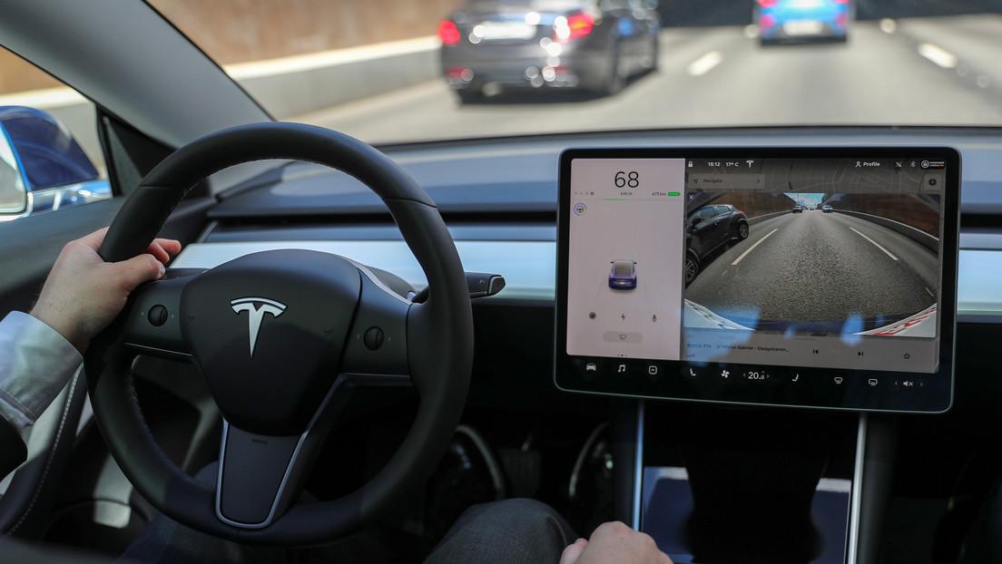 """""""Lo que querían y lo que ni siquiera sabían que querían"""": Musk crea intriga sobre la nueva actualización de 'software' para vehículos Tesla"""