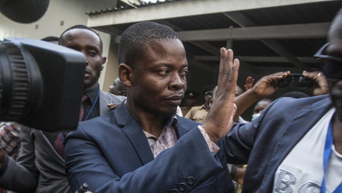 Pastor que afirma haber caminado en el aire y curado el VIH huye de Sudáfrica donde es buscado por lavado de dinero y provoca un incidente diplomático