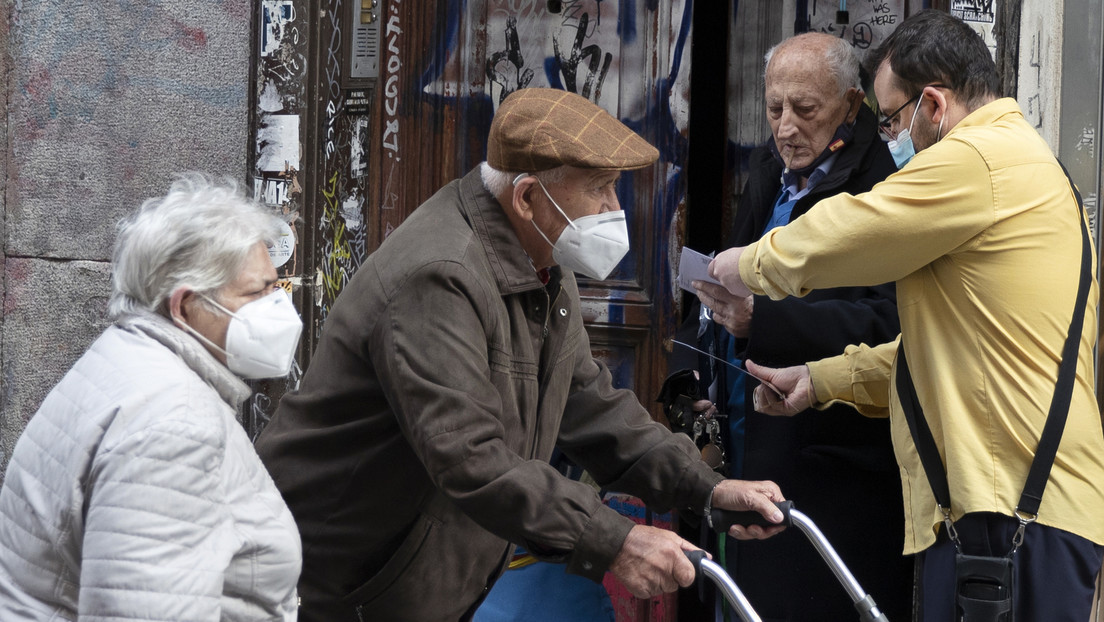 En qué consiste la 'cartilla covid' de Madrid y por qué ha generado tantas críticas