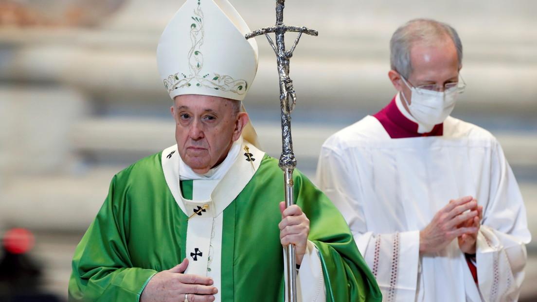 El Vaticano investiga el 'me gusta' de la cuenta del papa Francisco en Instagram a la foto picante de una modelo brasileña