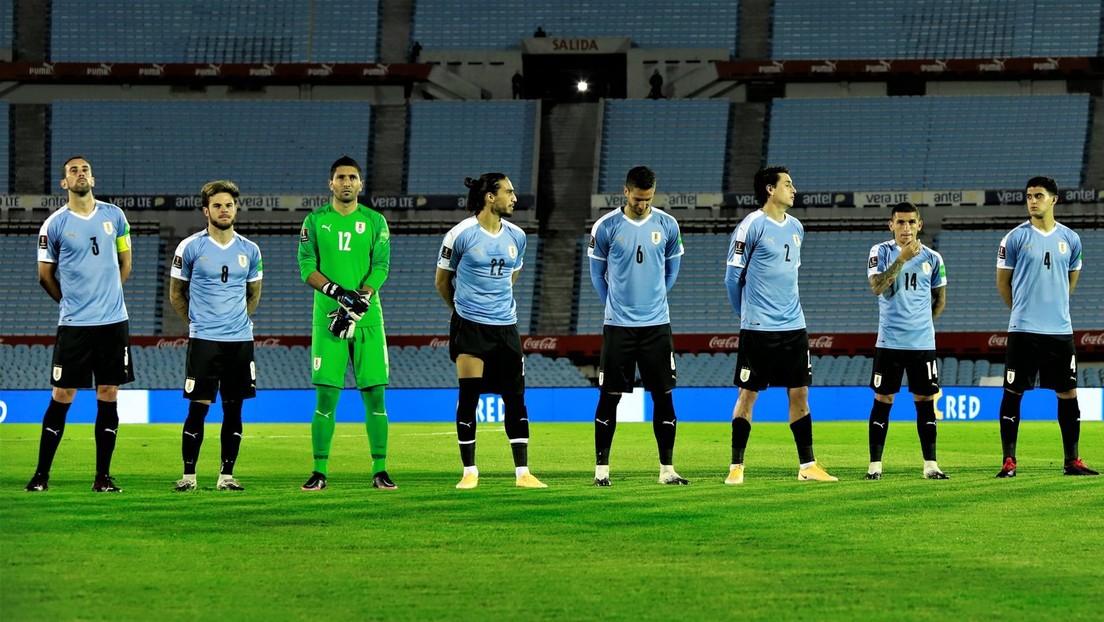 Gobierno de Uruguay multa a la selección de fútbol por un brote de covid-19 tras el contagio de 10 jugadores en una concentración