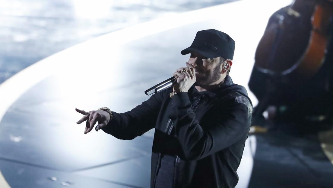 VIDEO: Eminem 'insulta' a Mark Zuckerberg en una canción (pero en realidad fue creada e interpretada mediante inteligencia artificial)