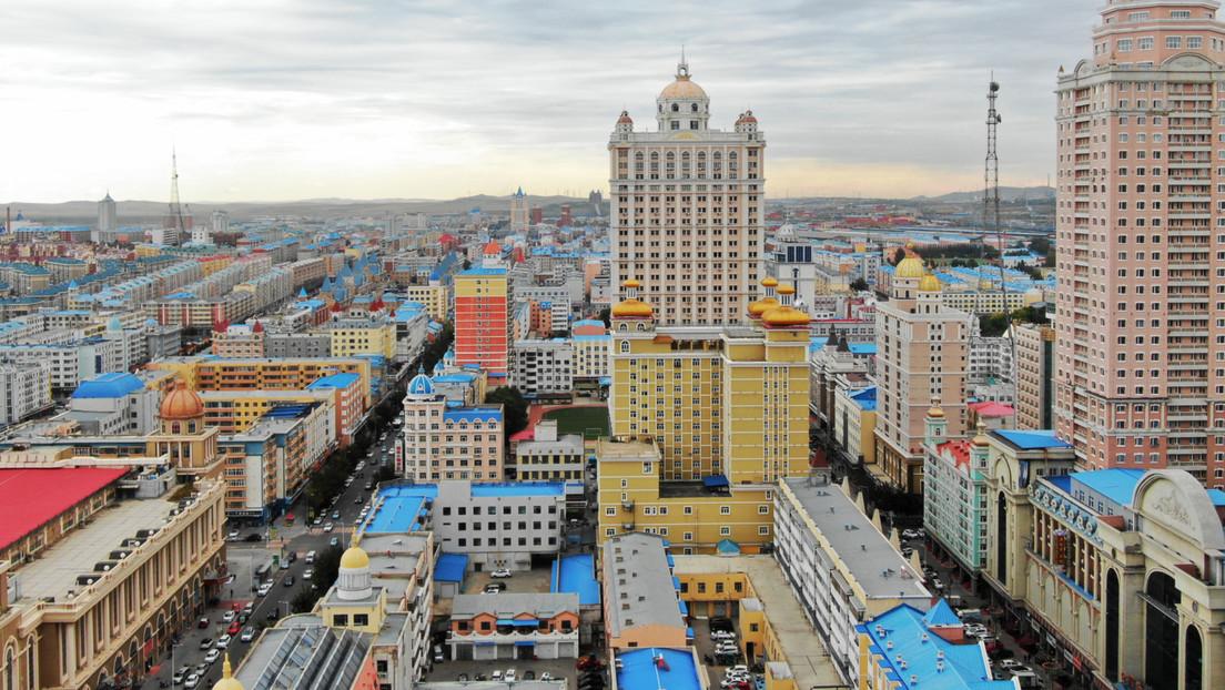 China cierra una ciudad y realizará pruebas a toda la población local tras confirmarse dos casos de coronavirus (VIDEO)