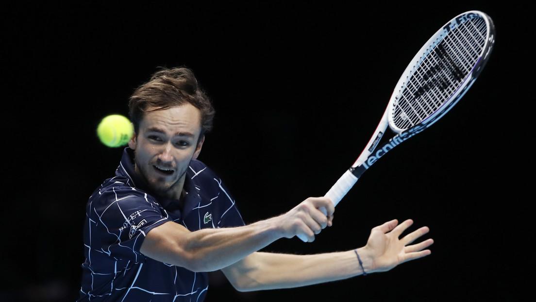 Medvédev derrota a Nadal por primera vez en su carrera y se clasifica para la final de la Copa de Maestros de tenis