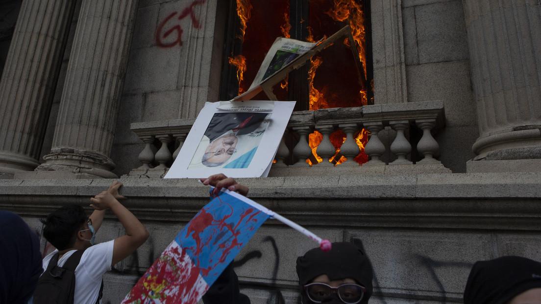 Por qué la aprobación del nuevo presupuesto indignó a la sociedad guatemalteca y desató protestas